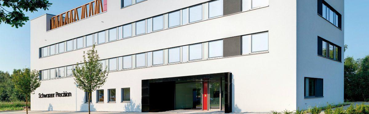 Schwarzer Precision Firmenzentrale